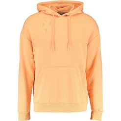 Bejsbolówki męskie: Antioch OVERSIZED DROP SHOULDER WITH DISTRESSING Bluza z kapturem coral