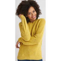 Swetry klasyczne damskie: Sweter ze strukturalnym splotem