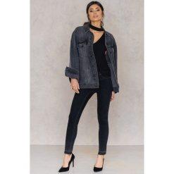 Boyfriendy damskie: Rut&Circle Jeansy z surowym wykończeniem Hanne - Black