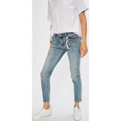 Answear - Jeansy Wiya for Answear. Niebieskie jeansy damskie ANSWEAR. Za 189,90 zł.