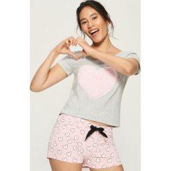 Dwuczęściowa piżama z aplikacją - Jasny szar. Szare piżamy damskie marki Sinsay, l, z motywem z bajki. Za 39,99 zł.