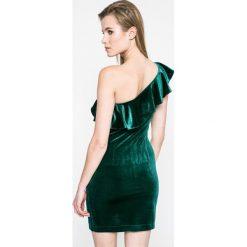 Only - Sukienka. Czarne sukienki balowe marki ONLY, l, z materiału, z kapturem. W wyprzedaży za 39,90 zł.
