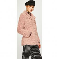 Answear - Kurtka. Różowe kurtki damskie ANSWEAR, l, z poliesteru. W wyprzedaży za 149,90 zł.