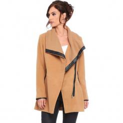 """Płaszcz """"Suzy"""" w kolorze karmelowym. Brązowe płaszcze damskie Cosy Winter, s, ze skóry. W wyprzedaży za 227,95 zł."""