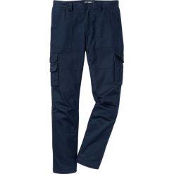 Spodnie bojówki ocieplane z powłoką z teflonu Loose Fit bonprix ciemnoniebieski. Niebieskie bojówki męskie marki bonprix. Za 179,99 zł.