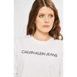 Calvin Klein Jeans - Bluza. Różowe bluzy damskie marki Calvin Klein Jeans, l, z nadrukiem, z bawełny, bez kaptura. W wyprzedaży za 279,90 zł.