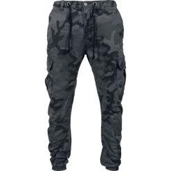 Urban Classics Cargo Jogging Pants Spodnie dresowe kamuflaż (Dark Camo). Niebieskie joggery męskie marki Urban Classics, l, z okrągłym kołnierzem. Za 199,90 zł.