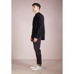 Rag & bone MULHOLLAND  Koszula black. Czarne koszule męskie na spinki rag & bone, l, z bawełny. W wyprzedaży za 487,60 zł.