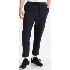 Chinosy męskie: Topman INK SIDEY JOGGER Spodnie materiałowe dark blue