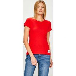 Calvin Klein Jeans - Top. Różowe topy damskie marki Calvin Klein Jeans, l, z bawełny, z okrągłym kołnierzem. Za 119,90 zł.