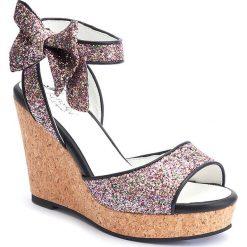 """Sandały damskie: Sandały na koturnie """"Ketty"""" w kolorze jasnoróżowo-brązowym"""