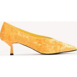 Czółenka: NA-KD Shoes Welurowe czółenka na niskim obcasie - Orange