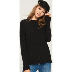 Sweter Basic - Czarny. Czarne swetry klasyczne damskie marki Sinsay, l. Za 49,99 zł.