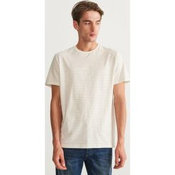 T-shirt w kropki - Kremowy. Niebieskie t-shirty męskie marki Reserved. Za 49,99 zł.