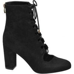 Czółenka damskie Graceland czarne. Czarne buty ślubne damskie Graceland, z materiału, na obcasie. Za 149,90 zł.