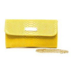 Kopertówki damskie: Skórzana kopertówka w kolorze żółtym – (S)26 x (W)15 cm