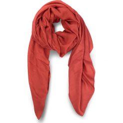 Chusta CALVIN KLEIN -  Tina Sp Scarf K60K604138 620. Czerwone chusty damskie marki Calvin Klein, z materiału. W wyprzedaży za 219,00 zł.