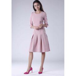 Różowa Wizytowa Sukienka z Obniżonym Stanem. Czarne sukienki balowe marki Reserved. W wyprzedaży za 158,01 zł.