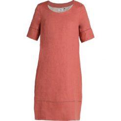Noa Noa Sukienka letnia cedar wood. Czerwone sukienki letnie marki Noa Noa, ze lnu. W wyprzedaży za 407,20 zł.