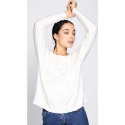 Biały Sweter Parity. Białe swetry klasyczne damskie Born2be, uniwersalny, z dzianiny, z okrągłym kołnierzem. Za 79,99 zł.