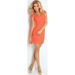 Sukienki: Virginia BRZOSKWINIOWO-NEONOWA sukienka z ładnym dekoltem