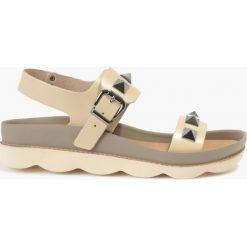 Sandały beżowe Patrizia. Fioletowe sandały trekkingowe damskie marki Badura. Za 135,99 zł.