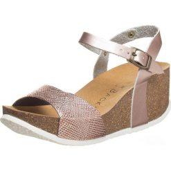 Buty damskie: Sandały w kolorze jasnoróżowym