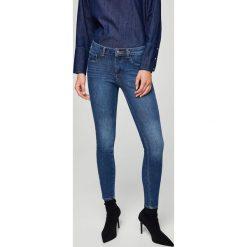 Mango - Jeansy Irina. Niebieskie jeansy damskie Mango, z bawełny. W wyprzedaży za 99,90 zł.