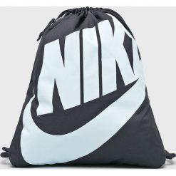 Nike Sportswear - Plecak BA5351. Szare plecaki męskie Nike Sportswear, z poliesteru. W wyprzedaży za 59,90 zł.