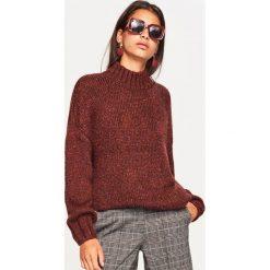 Sweter z błyszczącym włóknem - Bordowy. Czerwone swetry klasyczne damskie Reserved, l, z włókna. Za 139,99 zł.