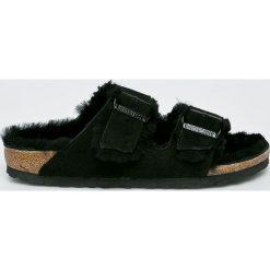 Birkenstock - Kapcie Arizona Fur. Czarne kapcie damskie Birkenstock, z materiału. Za 469,90 zł.