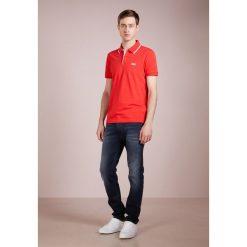 BOSS ATHLEISURE PEOS Koszulka polo red. Niebieskie koszulki polo marki BOSS Athleisure, m. Za 379,00 zł.