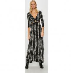 Desigual - Sukienka. Szare długie sukienki Desigual, na co dzień, m, z haftami, z dzianiny, casualowe, dopasowane. Za 499,90 zł.