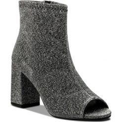 Botki JENNY FAIRY - WS17170-8 Srebrny. Szare buty zimowe damskie Jenny Fairy, z materiału, na obcasie. W wyprzedaży za 99,99 zł.