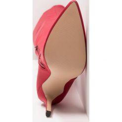 ALDO SAILORS Kozaki na obcasie red. Czerwone buty zimowe damskie ALDO, z materiału, na obcasie. W wyprzedaży za 404,25 zł.