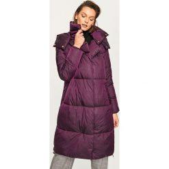Pikowany płaszcz - Bordowy. Czerwone płaszcze damskie marki Reserved. Za 249,99 zł.
