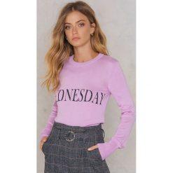 NA-KD Sweter z dzianiny Weekday - Purple. Fioletowe swetry klasyczne damskie NA-KD, z dzianiny. W wyprzedaży za 60,89 zł.