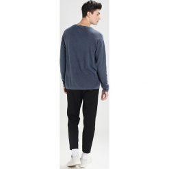Tommy Jeans WAFFLE Sweter black iris. Niebieskie kardigany męskie Tommy Jeans, m, z bawełny. W wyprzedaży za 404,10 zł.