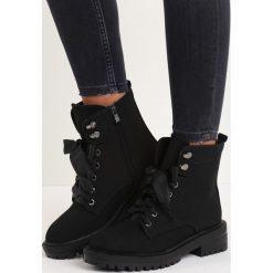 Czarne Zamszowe Botki Hot Stuff. Czarne botki damskie lity marki Calvin Klein Jeans, z jeansu, na sznurówki. Za 109,99 zł.