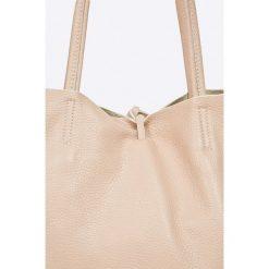 Answear - Torebka skórzana. Szare torebki klasyczne damskie marki ANSWEAR, z materiału, duże. W wyprzedaży za 159,90 zł.