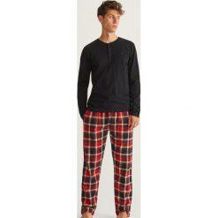 Piżama dwuczęściowa ze spodniami - Czarny. Czarne piżamy męskie marki Reserved, l. Za 129,99 zł.