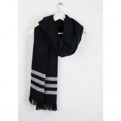 """Szal """"Brirayure"""" w kolorze czarnym - 180 x 60 cm. Czarne szaliki damskie Scottage, w paski, z wełny. W wyprzedaży za 58,95 zł."""