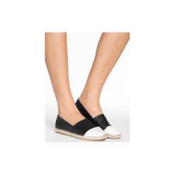Balerinki Espadryle Thalia Black White Flats. Białe baleriny damskie lakierowane DeeZee. W wyprzedaży za 49,99 zł.