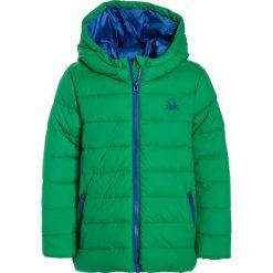 Benetton Kurtka zimowa green. Zielone kurtki chłopięce zimowe marki Benetton, z materiału. W wyprzedaży za 126,75 zł.