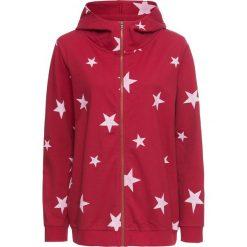 Bluza rozpinana z kapturem bonprix czerwony chili-biały z nadrukiem. Czerwone bluzy rozpinane damskie bonprix, z nadrukiem, z kapturem. Za 99,99 zł.