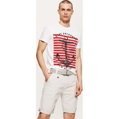 T-shirt z kotwicą - Biały. Białe t-shirty męskie marki House, l. W wyprzedaży za 29,99 zł.