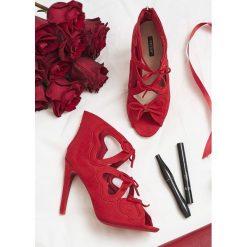 Czerwone Sandały Shifty Sneak. Czerwone sandały damskie vices, na wysokim obcasie. Za 69,99 zł.
