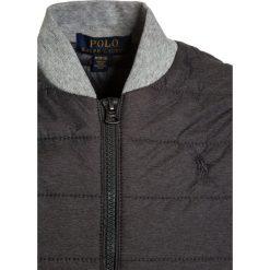 Polo Ralph Lauren HYBRID OUTERWEAR Kurtka przejściowa grey. Szare kurtki chłopięce przejściowe marki Polo Ralph Lauren, z materiału. W wyprzedaży za 407,20 zł.