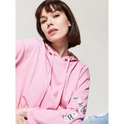 Bluza z kapturem - Różowy. Czerwone bluzy z kapturem damskie House, l. Za 69,99 zł.