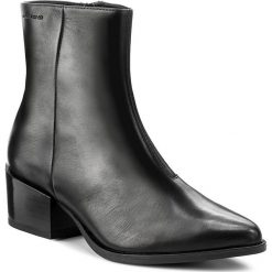 Botki VAGABOND - Marja 4413-001-20 Black. Czarne botki damskie na obcasie marki Vagabond, z materiału. W wyprzedaży za 319,00 zł.